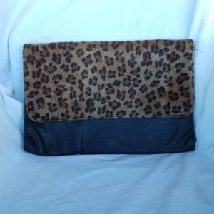 Large leopard clutch